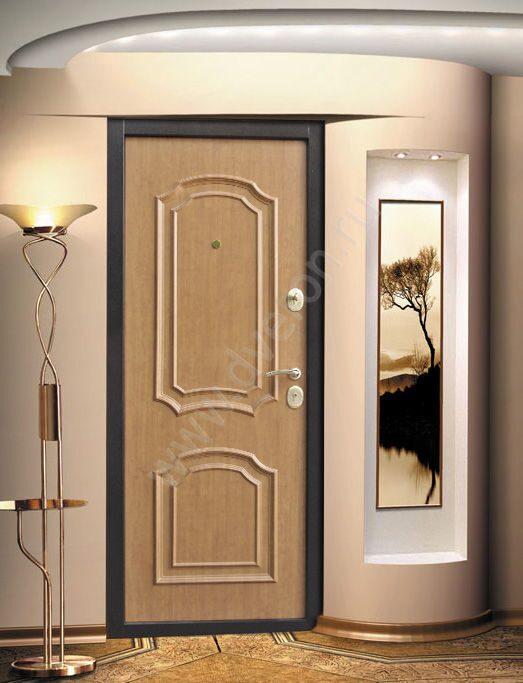 двери входные металлические со светлой внутренней отделкой